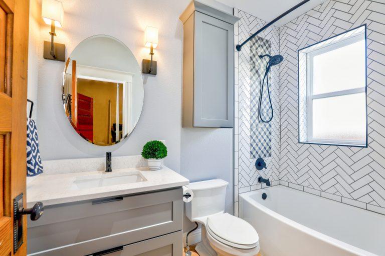 architecture-bathroom-bathtub-1910472