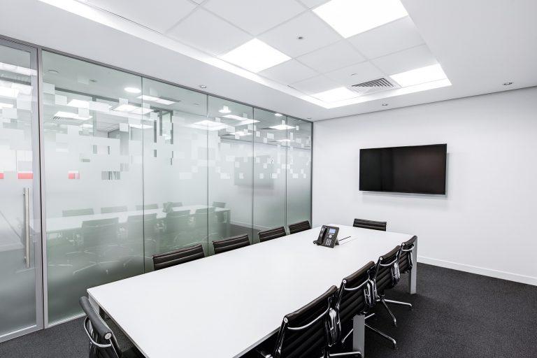 meeting-room-730679_1920
